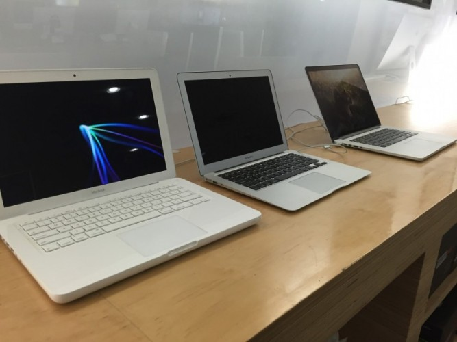 Mac Laptops